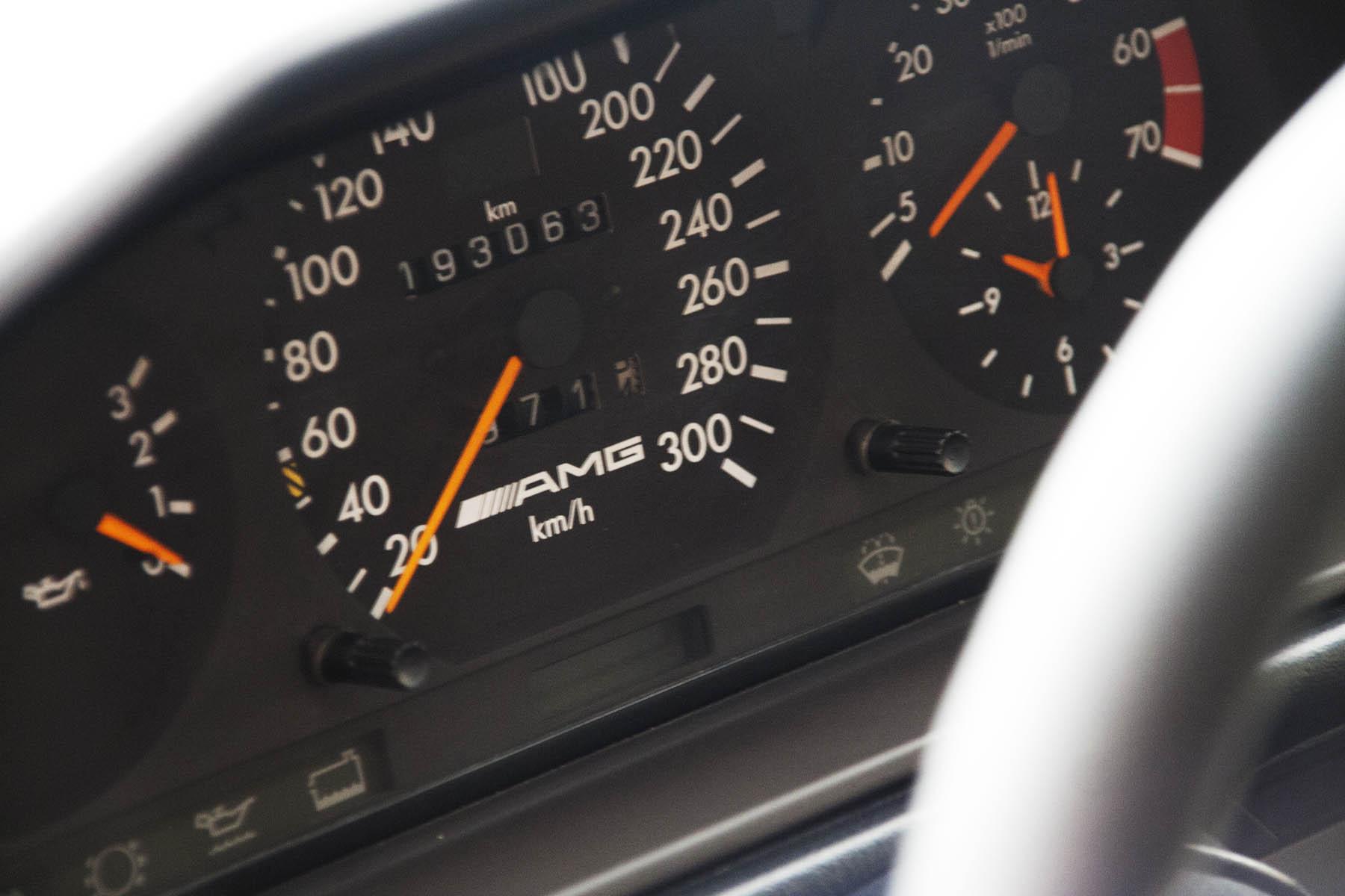 10 Mercedes E60 AMG
