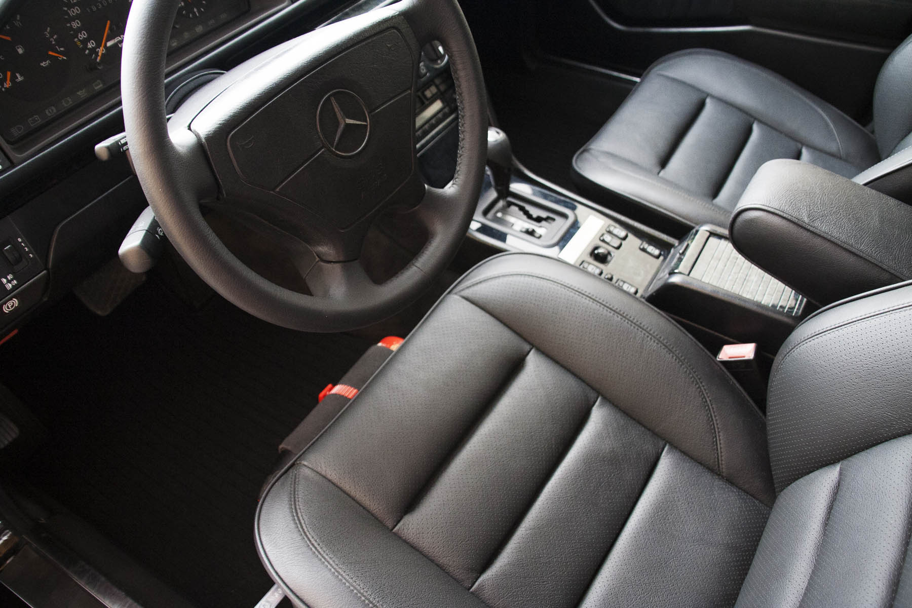 14 Mercedes E60 AMG