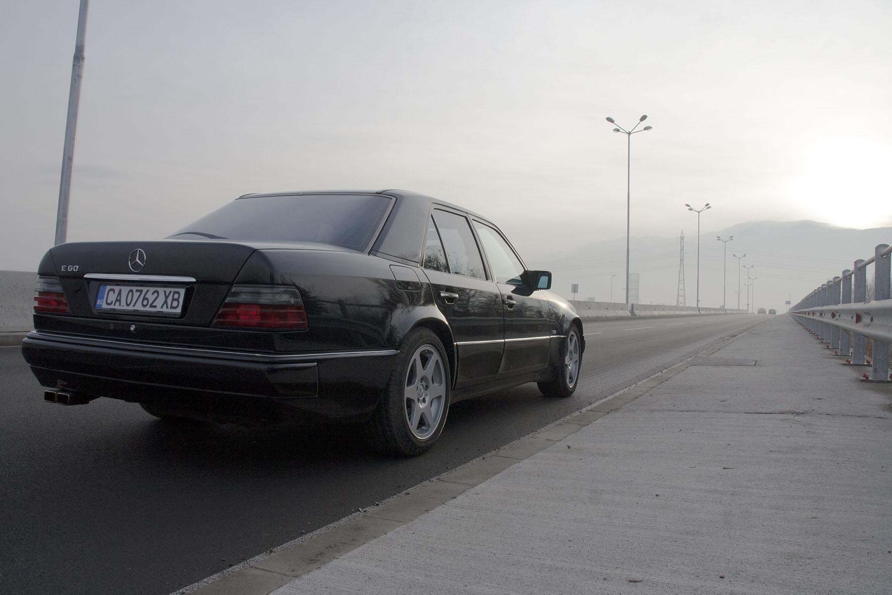 38 Mercedes E60 AMG