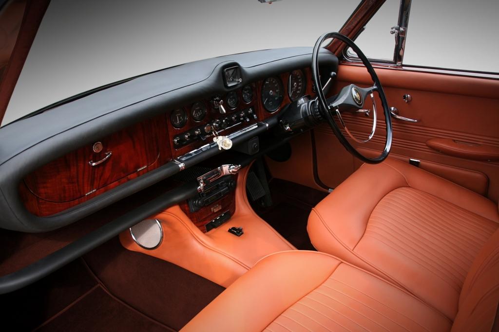 Jaguar 420 31