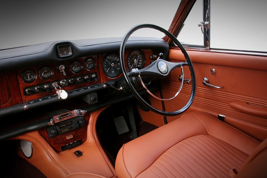 Jaguar 420 33