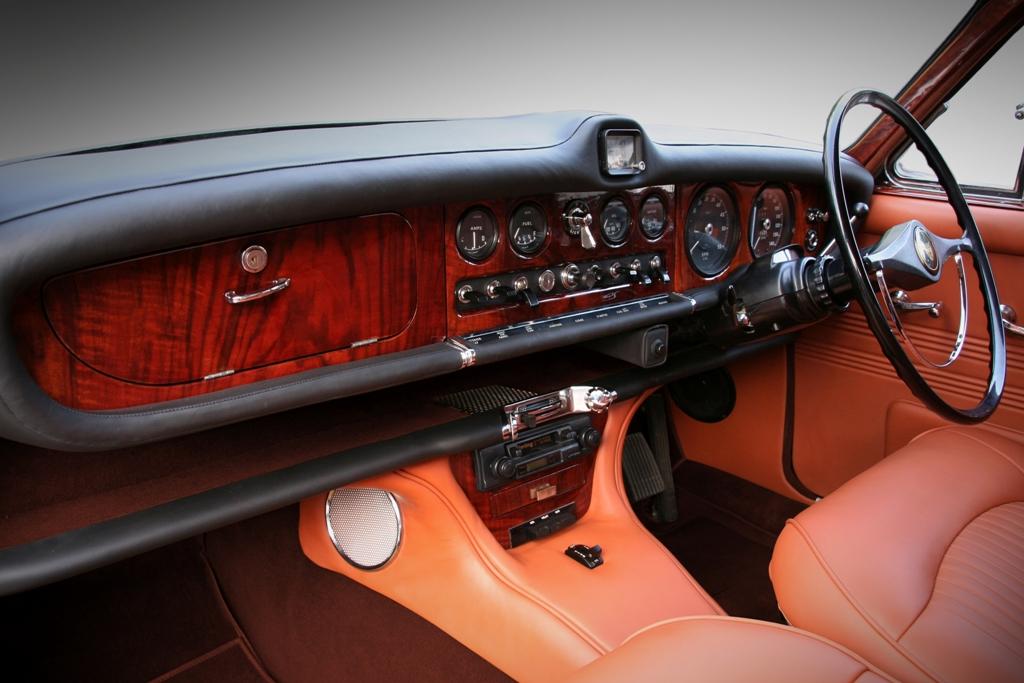 Jaguar 420 38