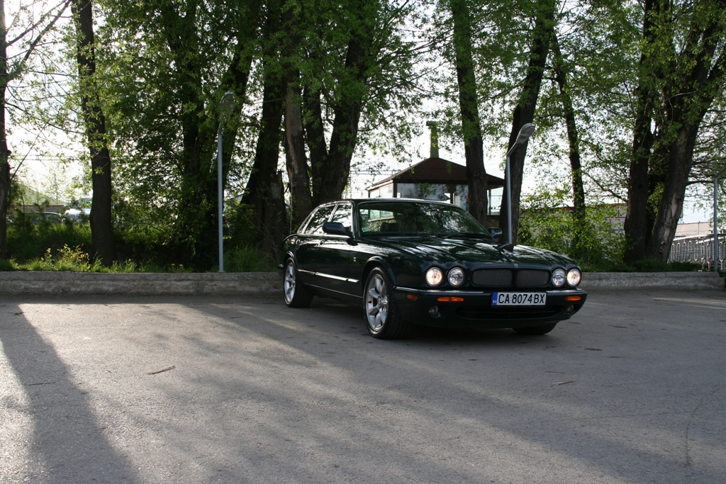 jaguar xjr sold 01