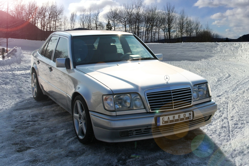 Mercedes E500 W124 - custom interior by Carbon Motors image 01