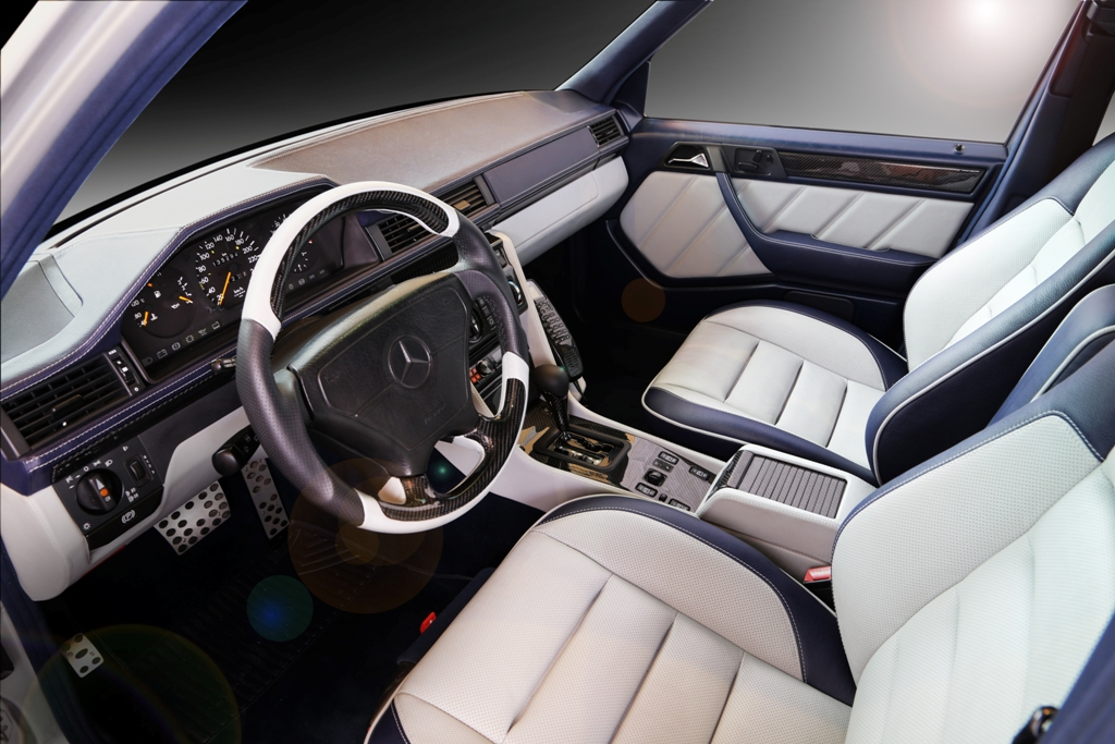 Mercedes E500 W124 - custom interior by Carbon Motors image 07