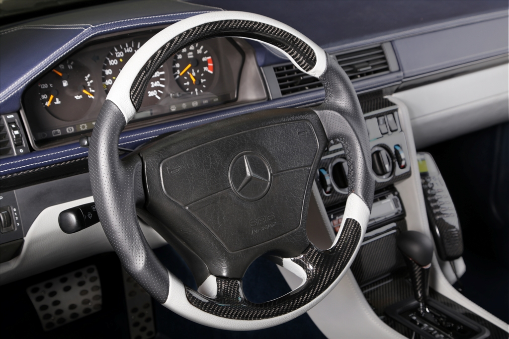 creative interior solution for the iconic Mercedes E500 article by Automobilereview on Carbon Motors image 02
