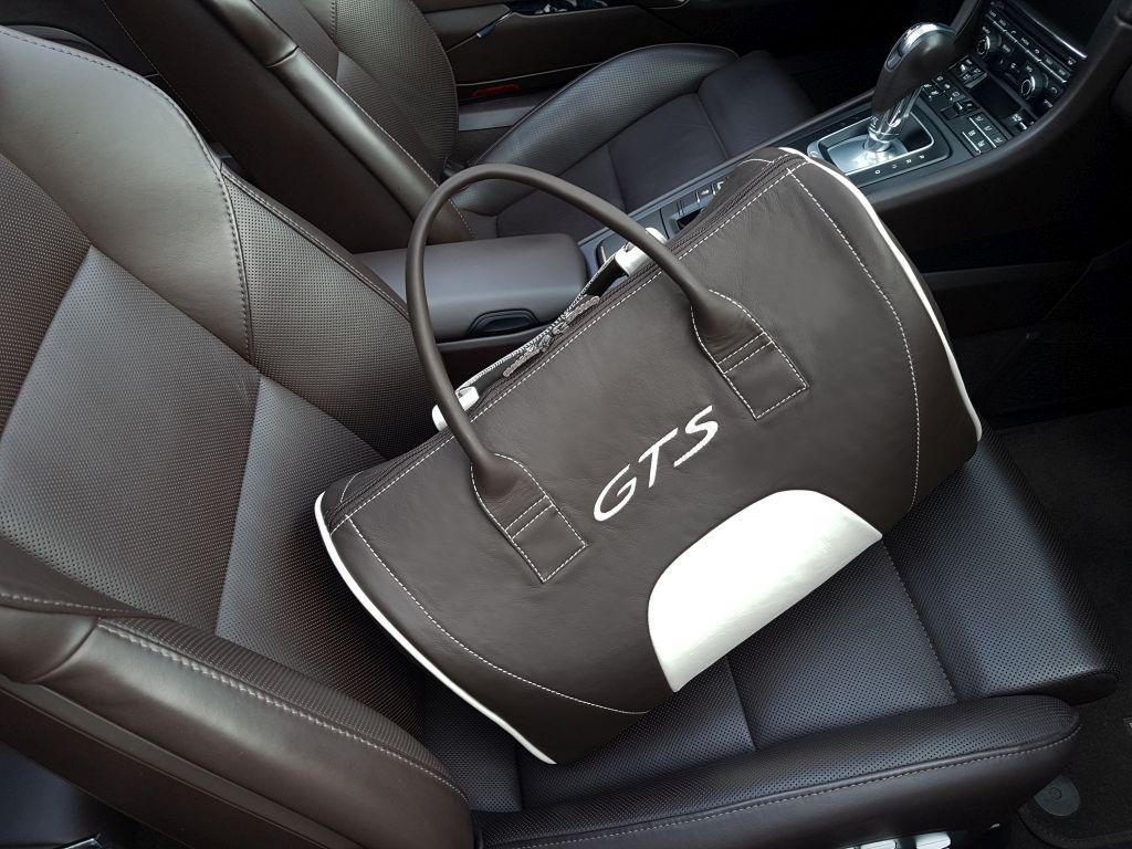 Porsche duffel bag 06